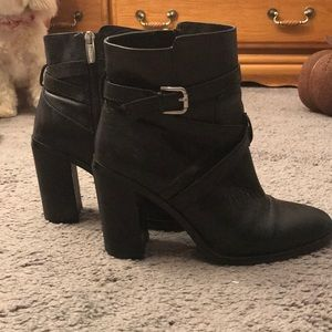 Vince Camuto Women's Gravell Boot size 8